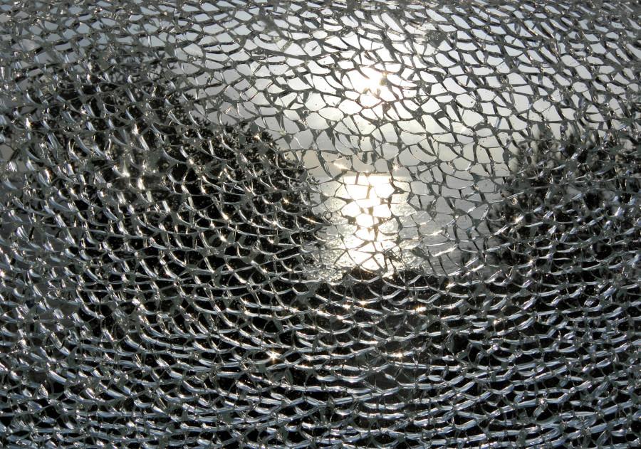 Fotografía de un cristal roto